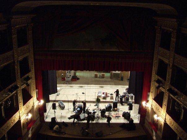 Festival Multietnico - allestimento teatro di Fabriano